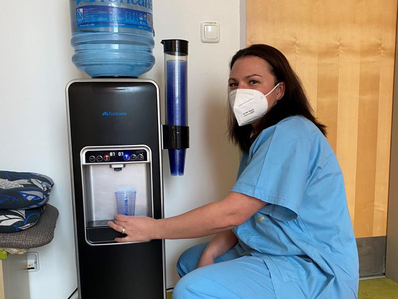 Čerstvá voda od firmy McCann-Erickson na covidová pracoviště